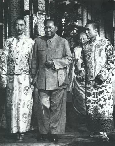 達賴、班禪聯袂進京受到毛澤東接見(1954年)