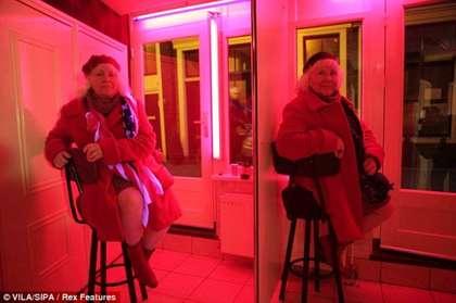 路易絲和馬蒂娜喜歡穿著紅色衣物。翻攝網路